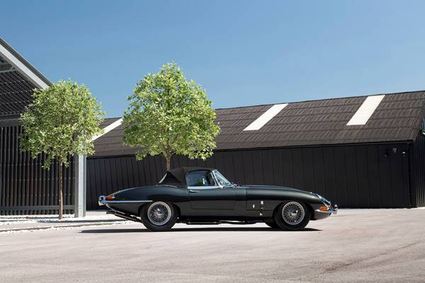 Jaguar E Type 035.jpg