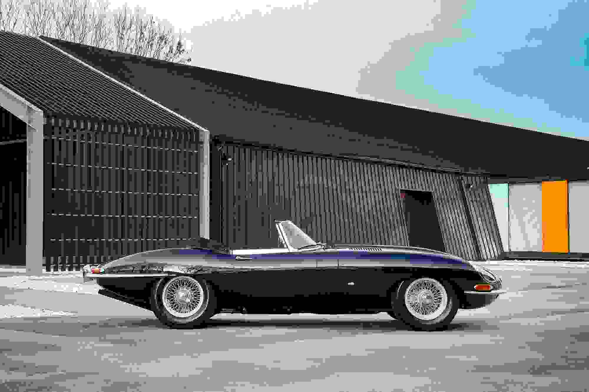 Jaguar E Type 009.jpg