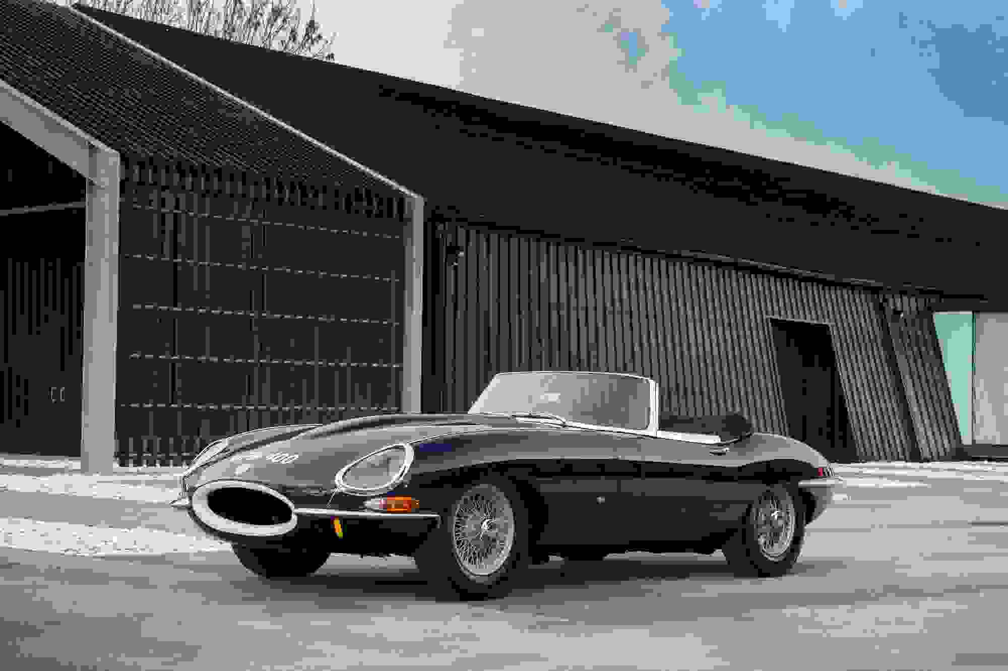 Jaguar E Type 020.jpg