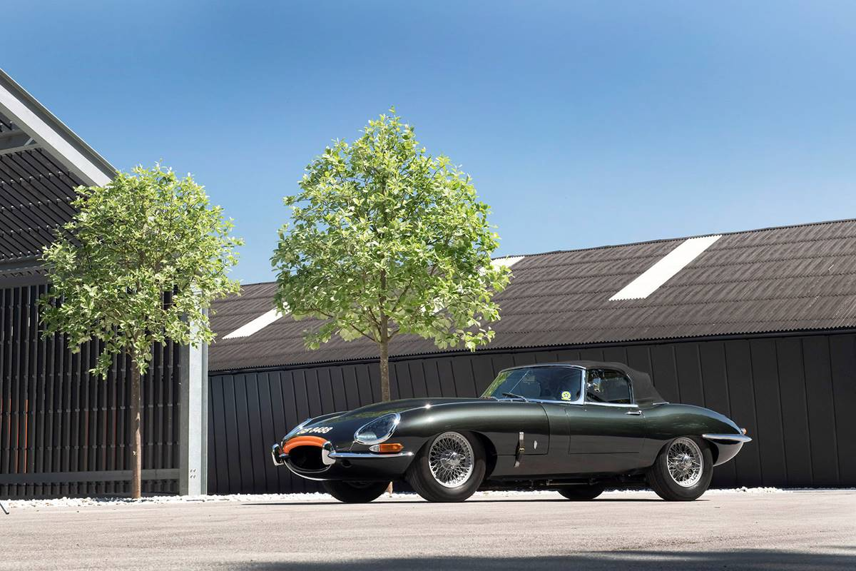 Jaguar E Type 049.jpg