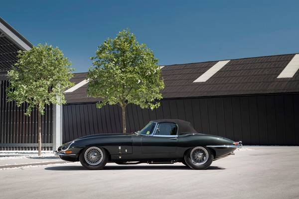Jaguar E Type 054.jpg