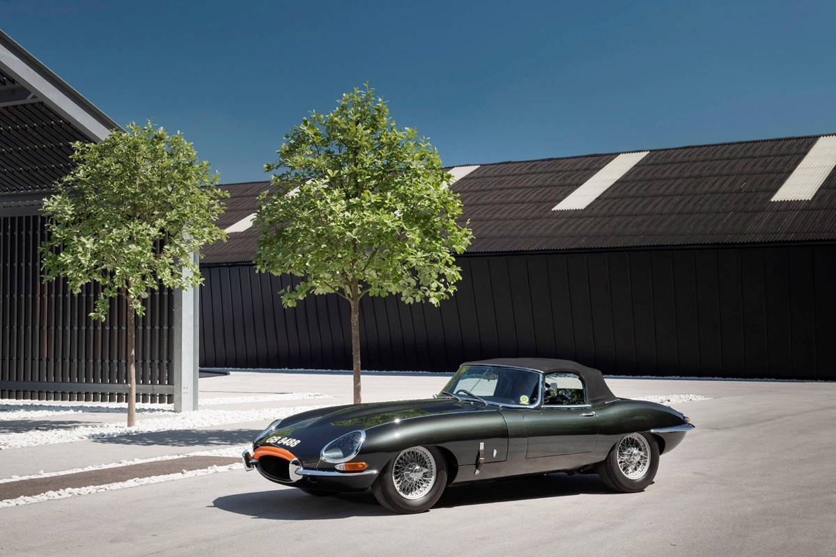 Jaguar E Type 048.jpg