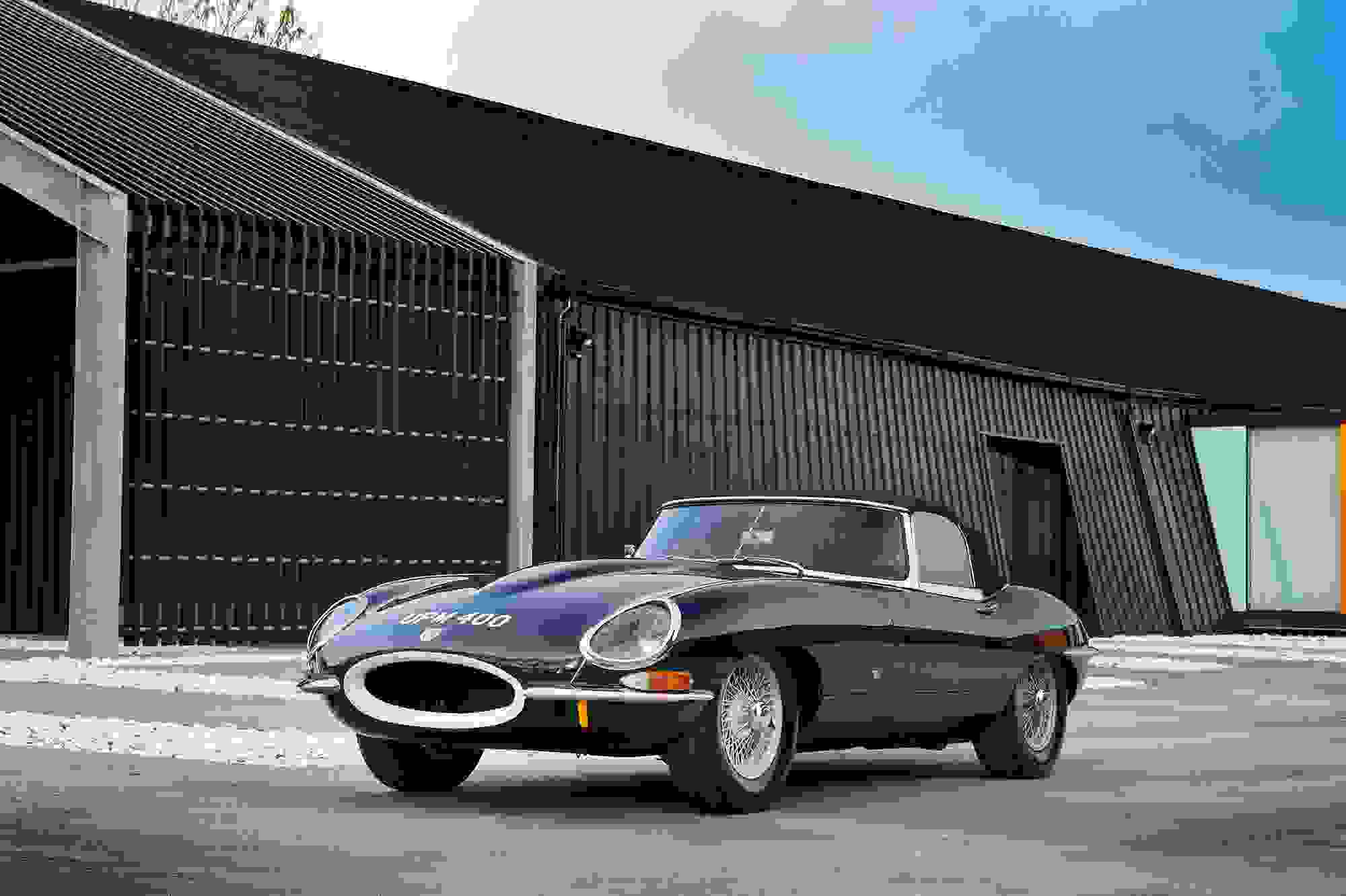 Jaguar E Type 001.jpg