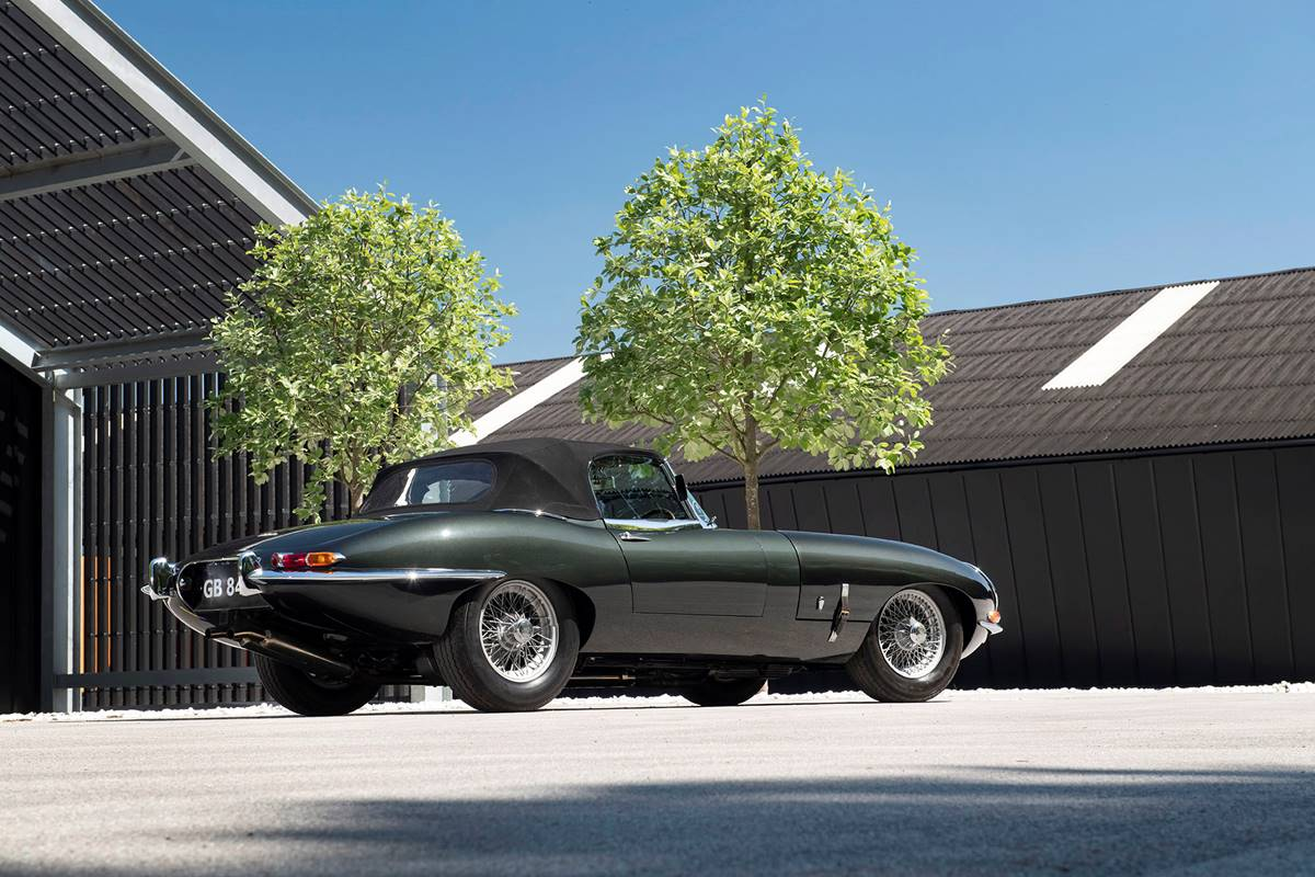 Jaguar E Type 034.jpg