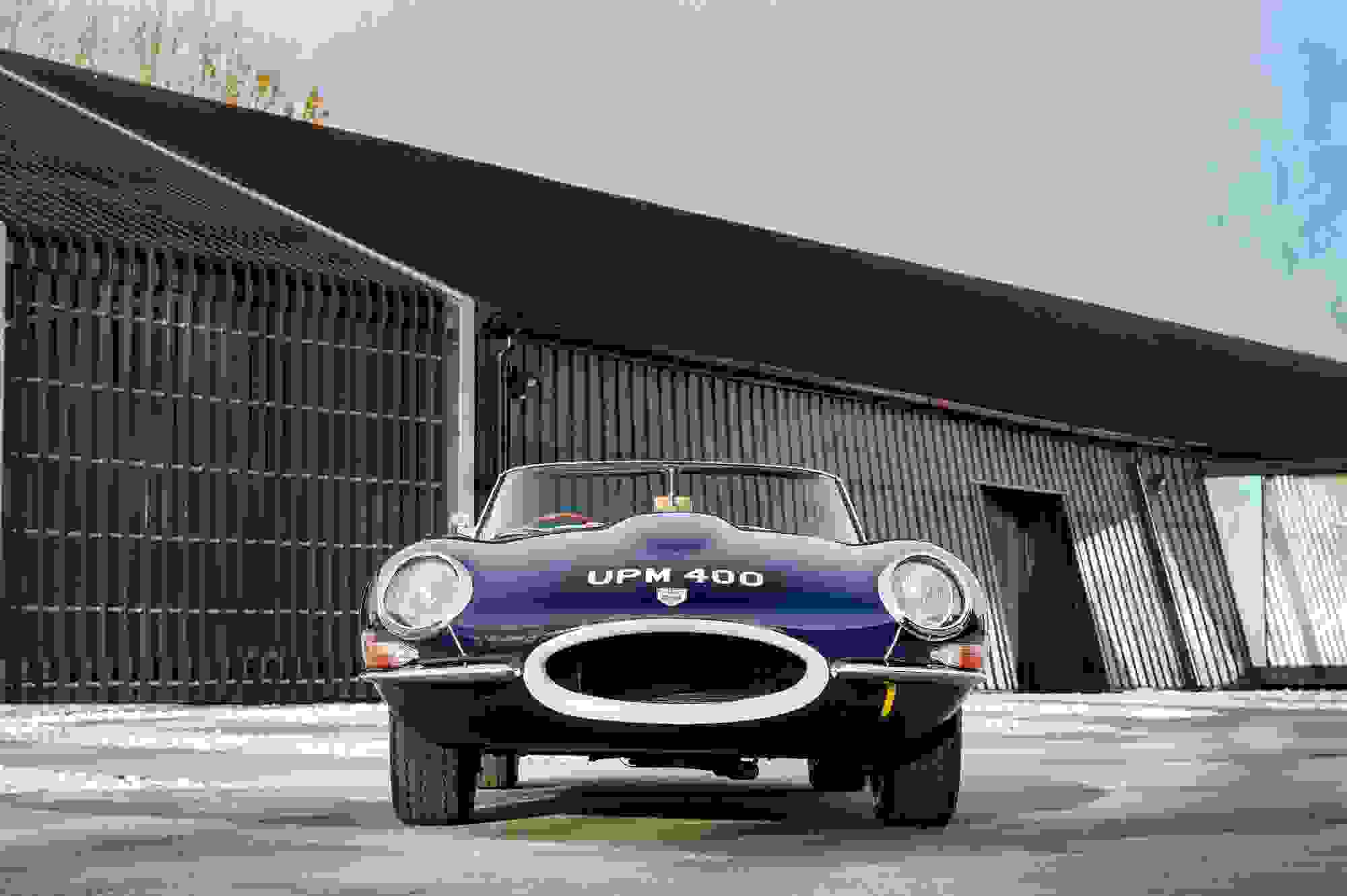 Jaguar E Type 017.jpg