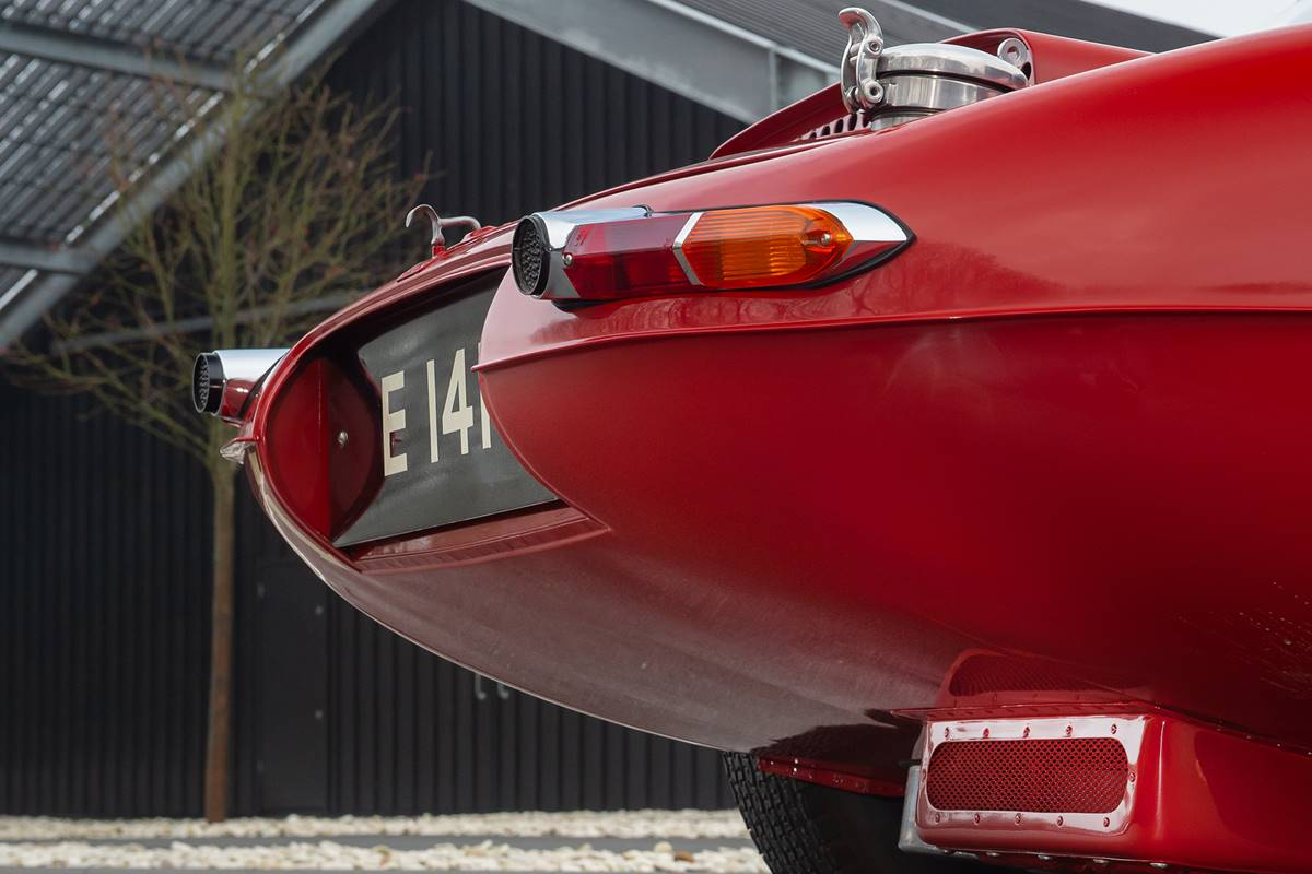 Jaguar E Type 022.jpg