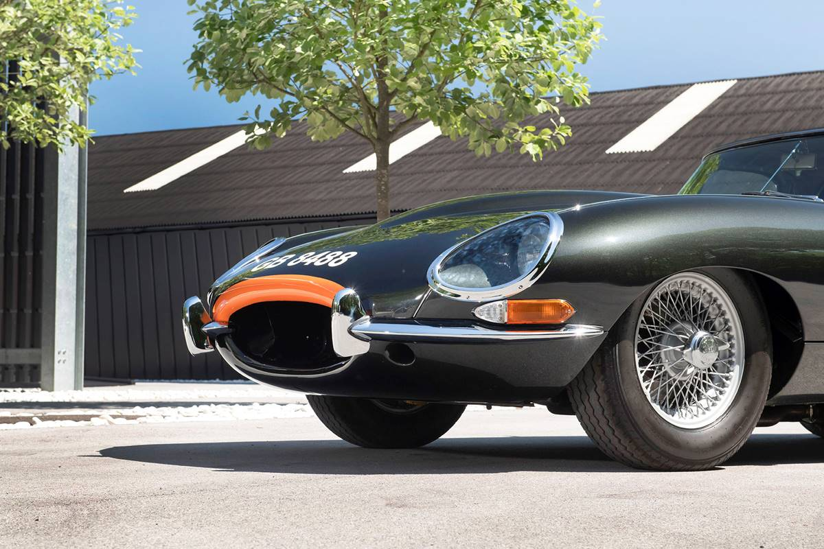 Jaguar E Type 050.jpg