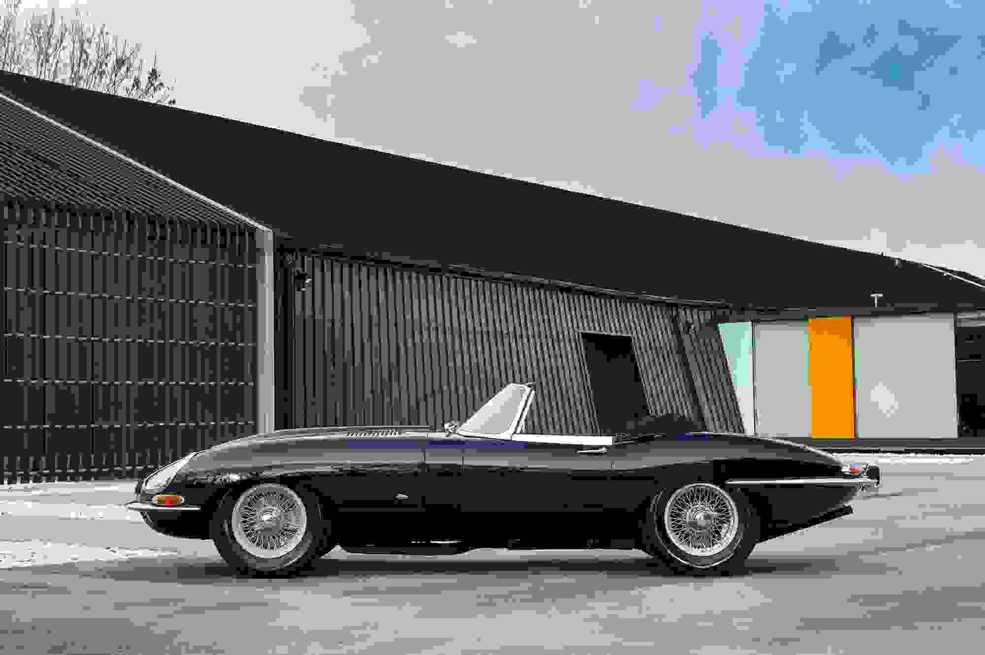 Jaguar E Type 021.jpg