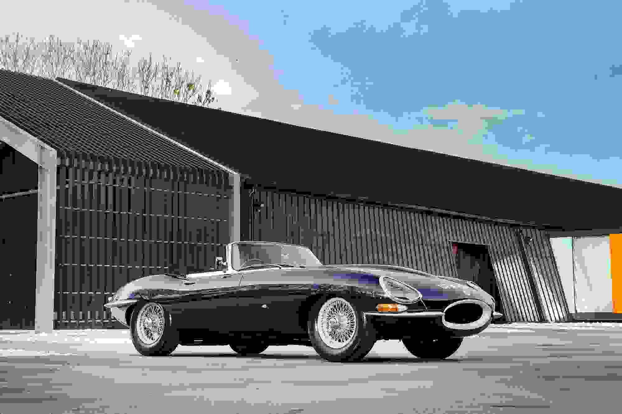 Jaguar E Type 013.jpg