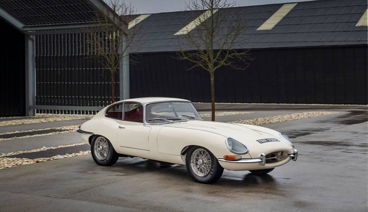 Jaguar E Type Coupe 035.jpg