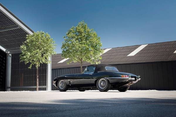 Jaguar E Type 055.jpg