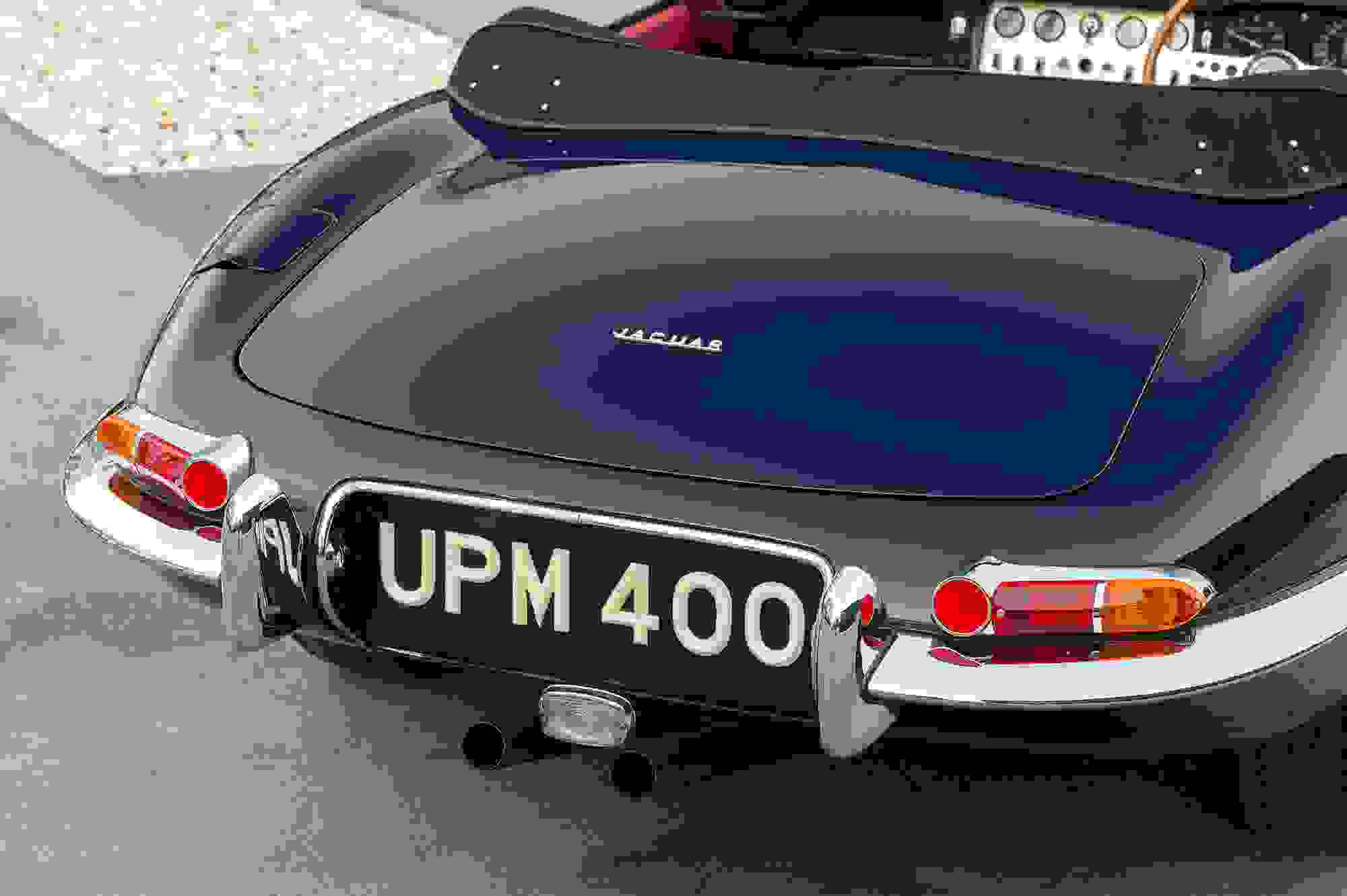 Jaguar E Type 007.jpg