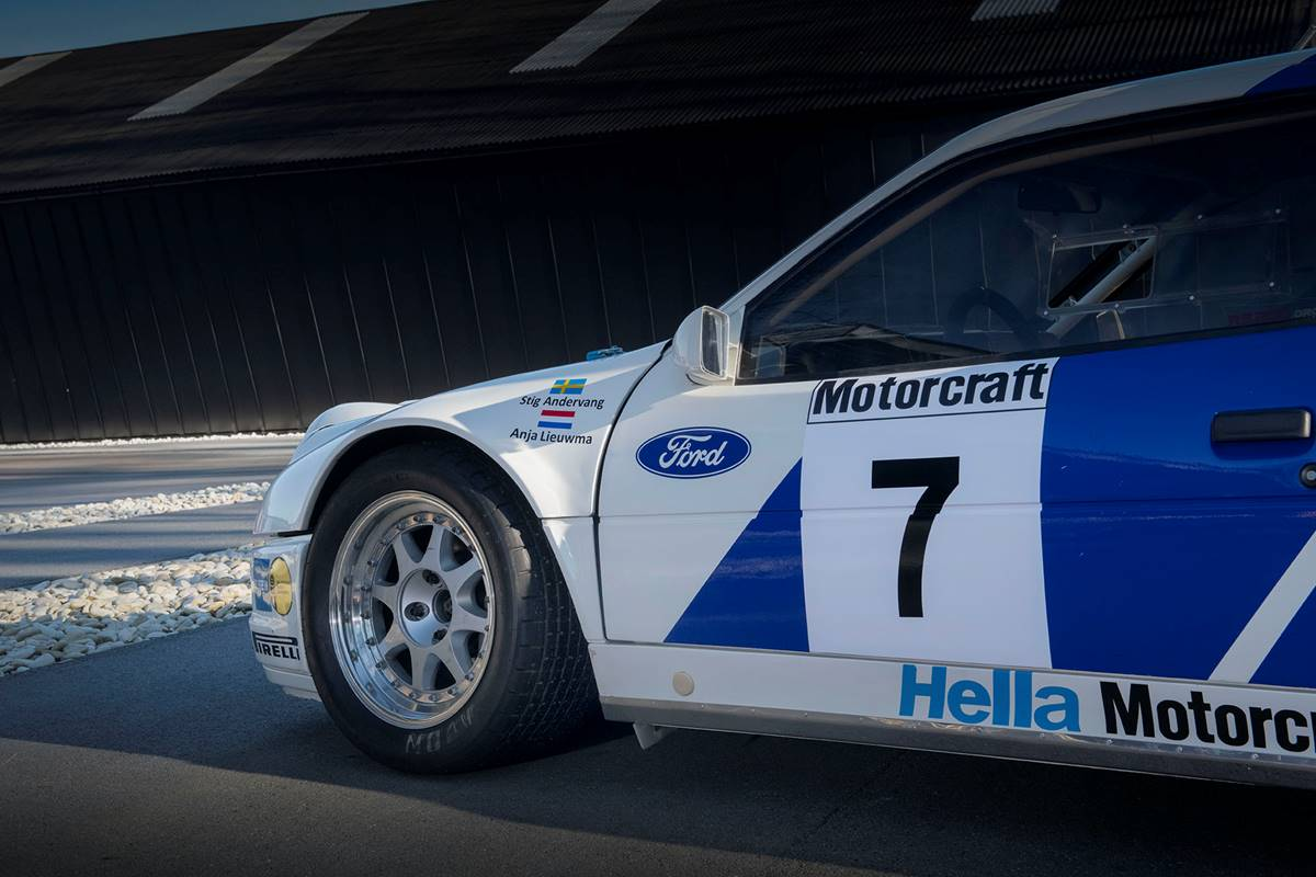 Ford RS 200 009.jpg