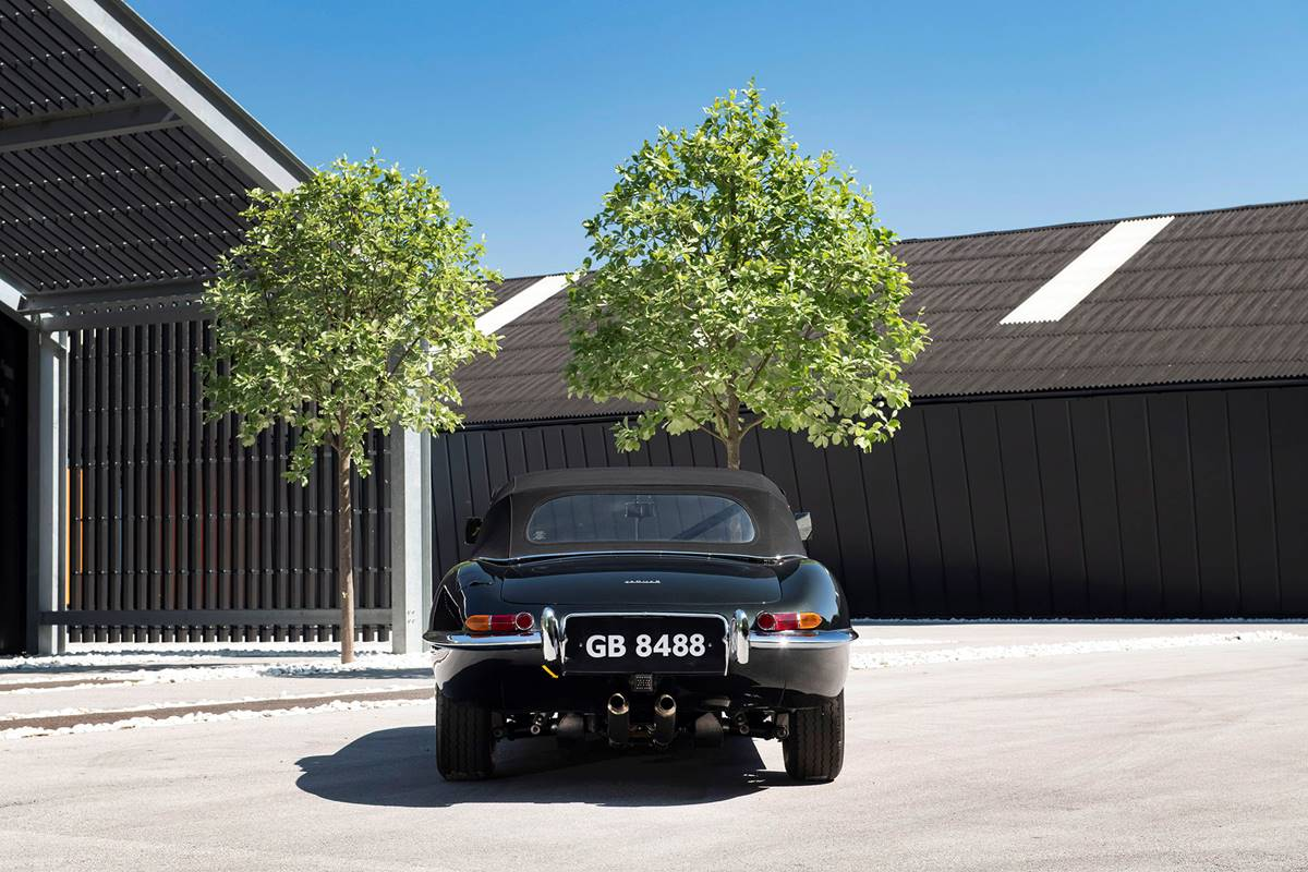 Jaguar E Type 029.jpg