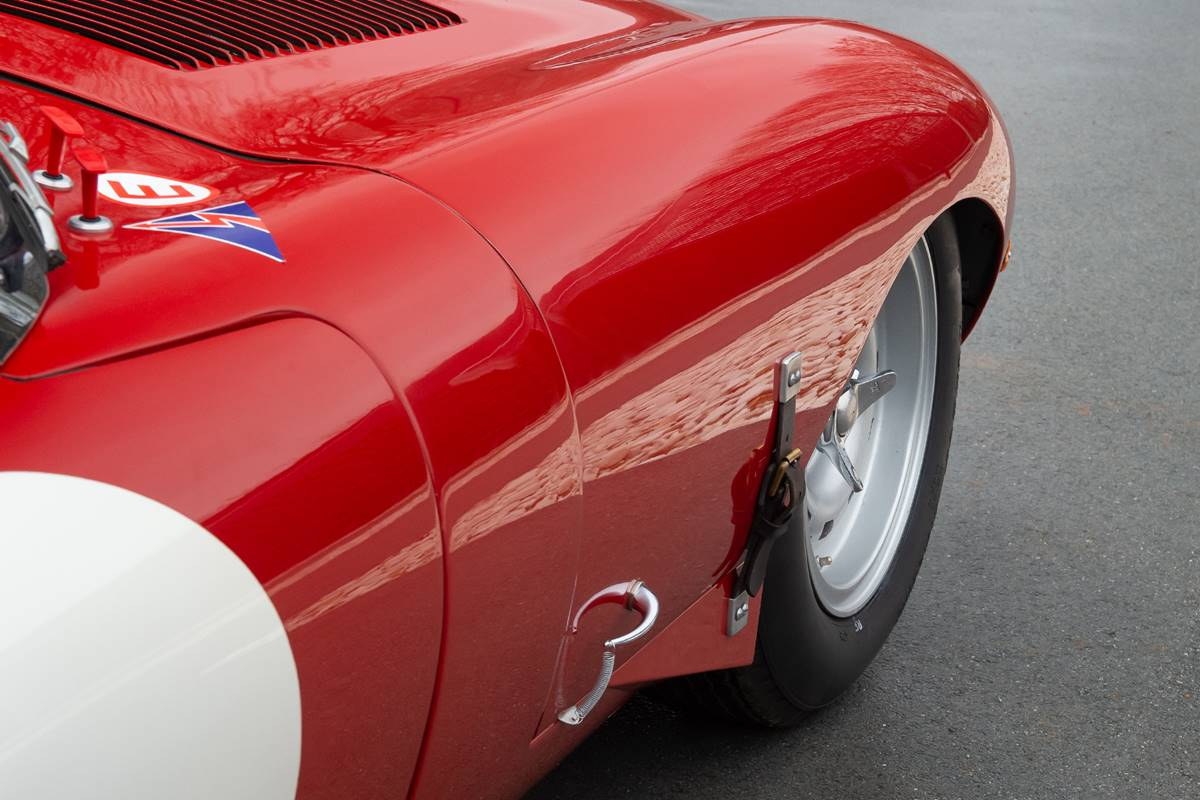 Jaguar E Type 031.jpg