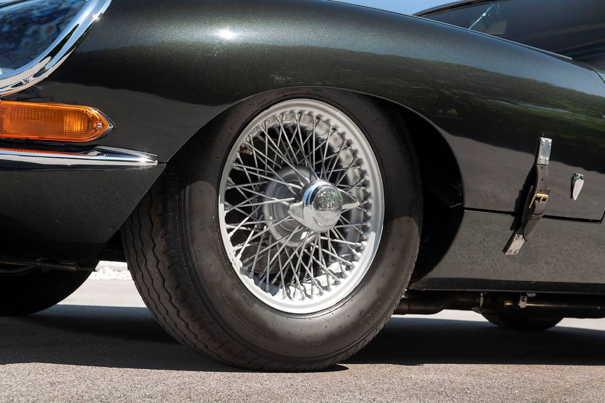 Jaguar E Type 052.jpg
